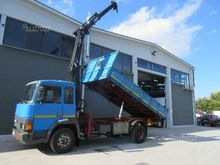 (38) tipper truck 2-axle crane
