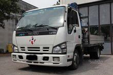 Truck Isuzu npr p.35y07 € 4 - W