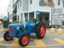 Tractor fordson dextra