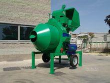 Unimec towable concrete mixer r