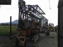 Vicario construction crane