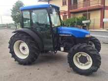 Newholland tractor tn65s
