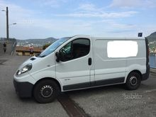 Renault Trafic 2.5 dCi 115cv pe