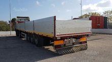 Closed box semi-trailer with co