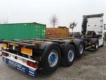 Semitrailer container