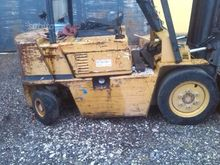 Used forklift caterp