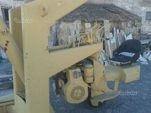 Mobile crane for lifting Valla