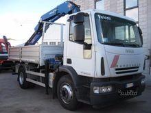 Iveco 160E25K cranes and foldin