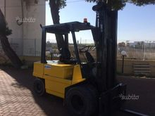Used Forklift om 40