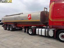 Semitrailer tanker Carenzi