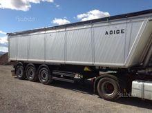 semi-trailer Adige