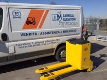 Electronic pallet truck OM reac
