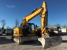Used TRACKED EXCAVAT