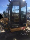 Used Cat Excavator i