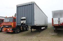 curtainsider semi-trailer