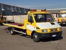 Used Tow truck Iveco