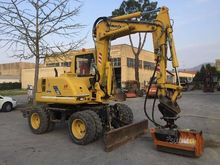 Used wheeled excavat