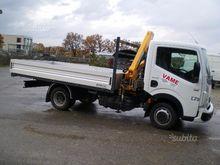 Renault maxity 35 with crane ef