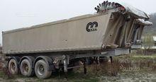 Semitrailer tank menci