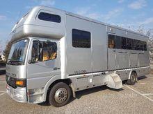 Van transportation 6 horses liv