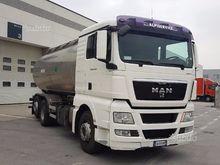 MAN TGX 26.400 6X2 milk tanker