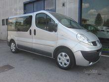 Renault Trafic Passenger 9 seat
