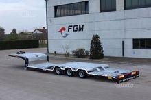 Semitrailer FGM lowered as road