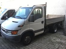Iveco Daily 35C9 tipper trilate