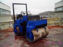 142-1100-vibrating roller Bomag