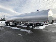 2005 POLAR 11,000 Gallon Semi
