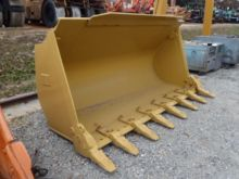 Used bucket loader i
