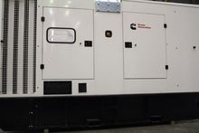 Generator housing or mobile uni
