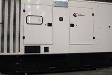 Generator housing or mobile uni