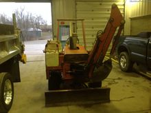 1985 Ditch Witch 2300