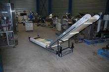 2000 INCLINED CLEATED FEEDER