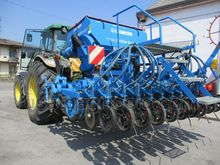 PNEUMATIC PLANTER - SEED DRILLS