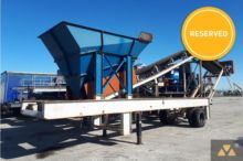 2010 FACTORY BUILT Feed conveyo