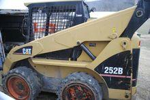 2006 CAT 252B