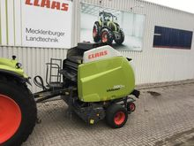 2015 CLAAS Variant 380 RC PRO