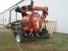 2009 Rem 2700 Vacuums