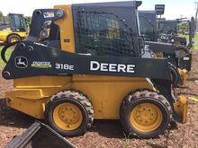 2013 John Deere 318E