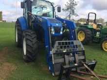 2013 New Holland T105