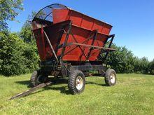 2002 United Farm Tool 2200