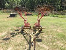 2005 Durabilt 8 Wheel Rake