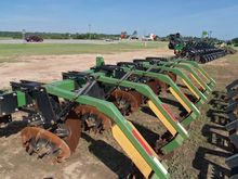 2012 Harrell 6 Row Stalk Puller