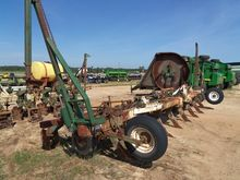 KMC 8 Row Ripper Bedder