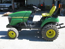 2007 John Deere 2305