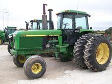 1990 John Deere 4555