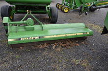 2000 John Deere 390