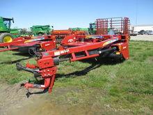 2013 New Holland H7230